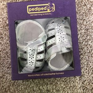 2/25 Pediped Soft Sole Sandal Baby Moccasins